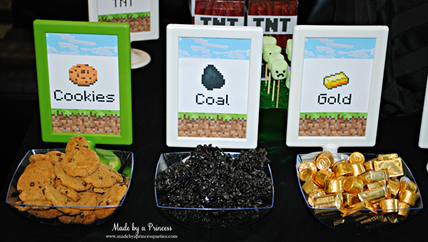 Ultimate Minecraft Birthday Party Food cookies.coal.gold #minecraft #minecraftparty #minecraftbirthday #bestboyparty