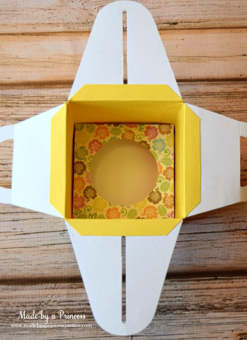 sizzix cupcake box insert