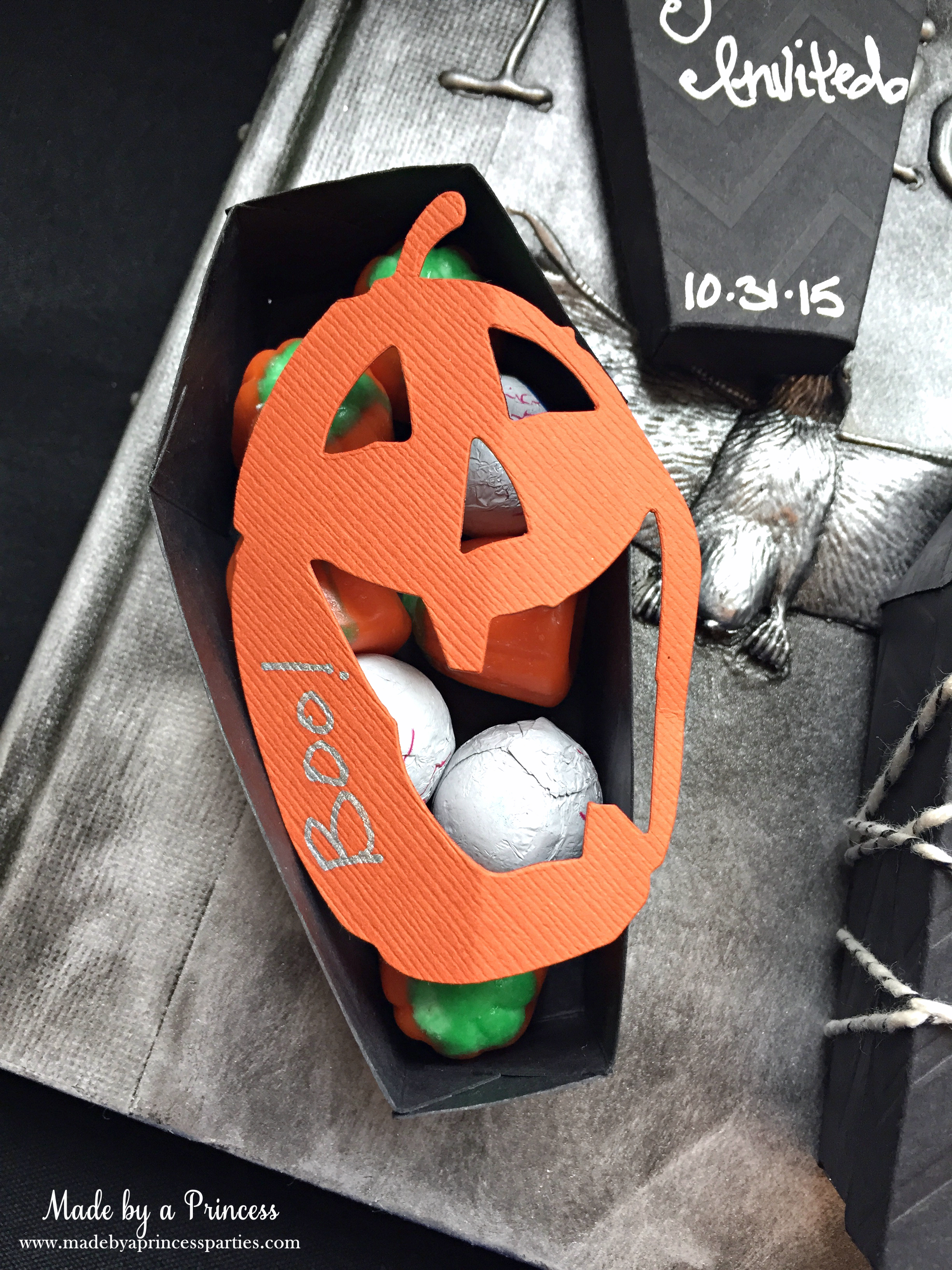 Spooky Halloween Coffin Invitations pumpkin message