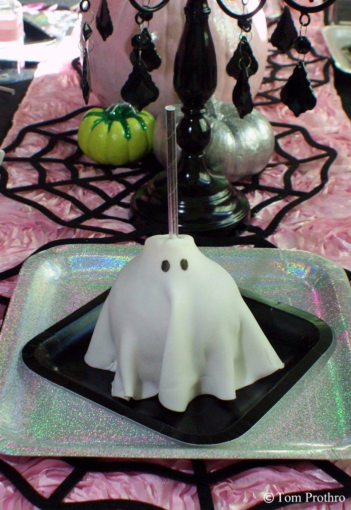 witch tea party ghost apple