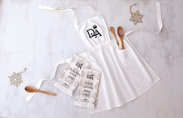 DowntonAbbeyApron,Towels_512745,512746,512747_1215_LRR