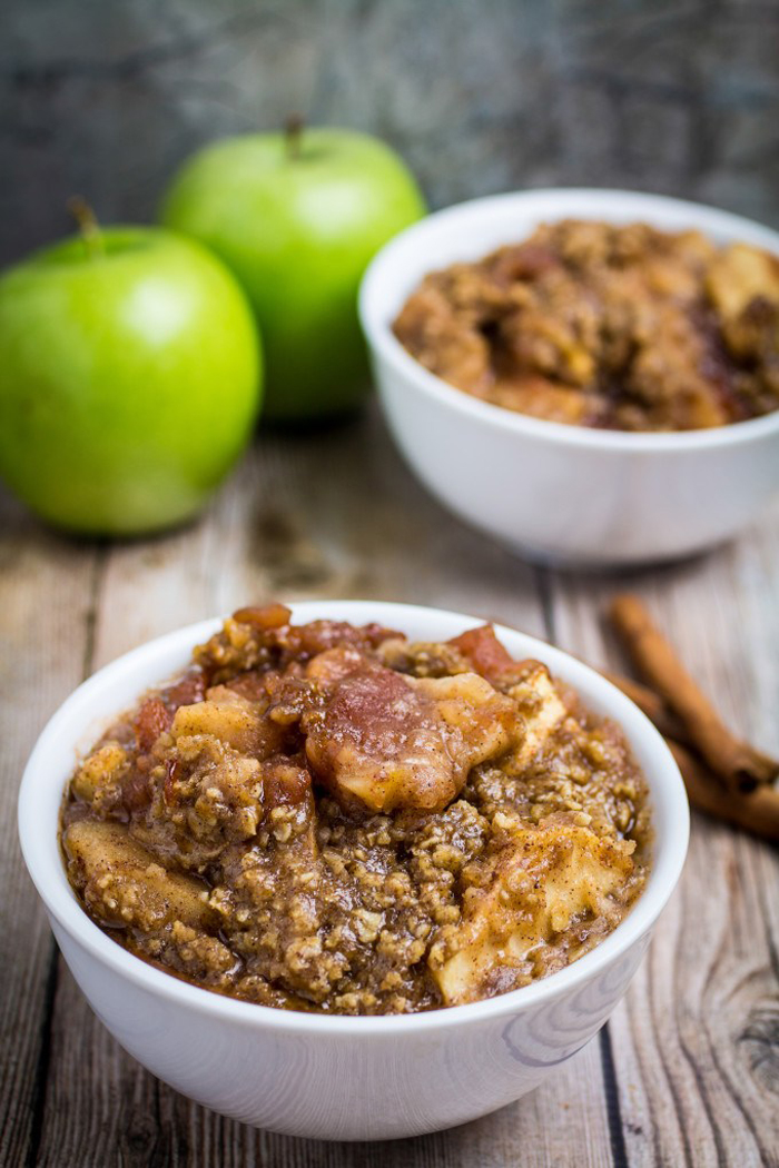 Slow-Cooker-Apple-Crisp-Gluten-Free- dishing delish