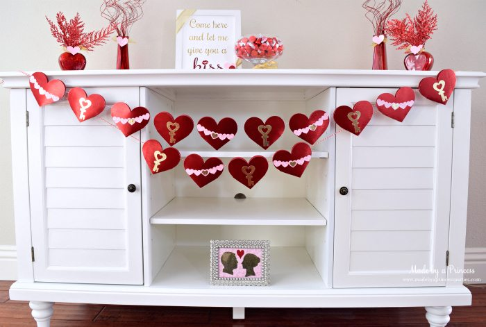 sizzix valentine banner table set up made by a princess