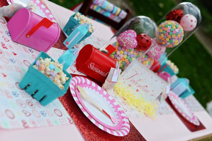 Creative Kids Valentine Party Ideas table setting 2