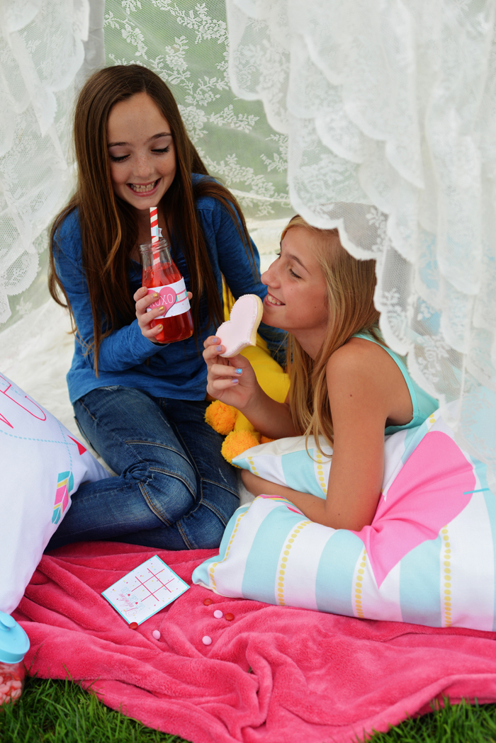 Creative Kids Valentine Party Ideas teepee chats 3