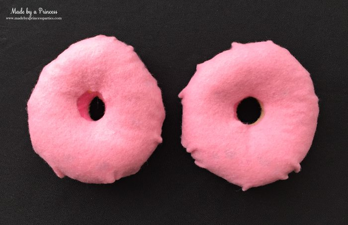 diy-shopkins-shoppie-halloween-costume-cover-felt-donut-in-pink-felt-to-look-like-frosting-make-two
