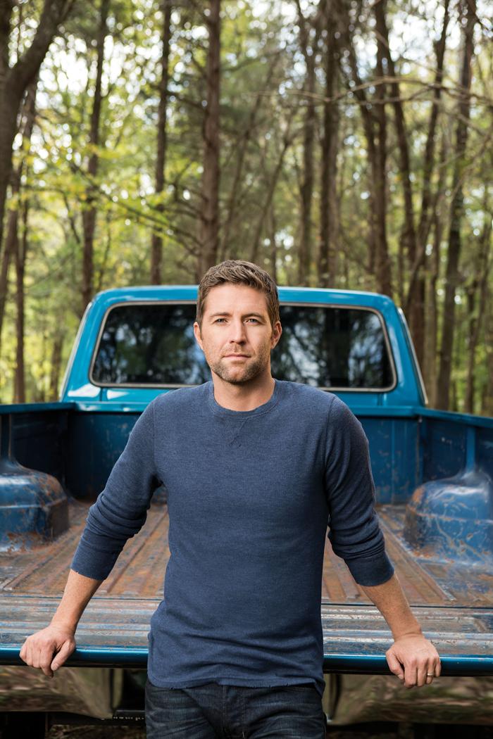 meet-country-crooner-josh-turner-truck-photo