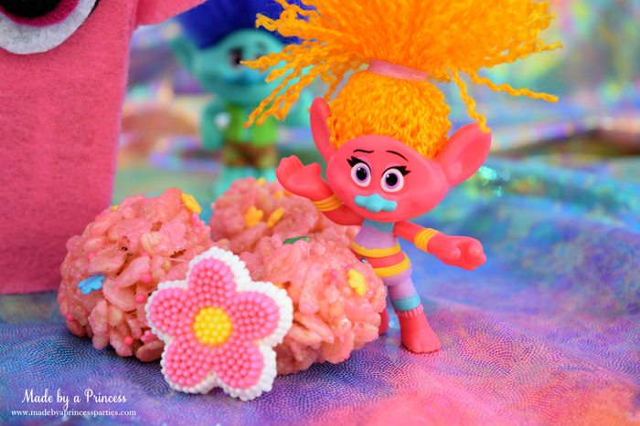 trolls-movie-princess-poppy-popcorn-box-party-pink-rice-krispie-treat-balls-with-dj-suki