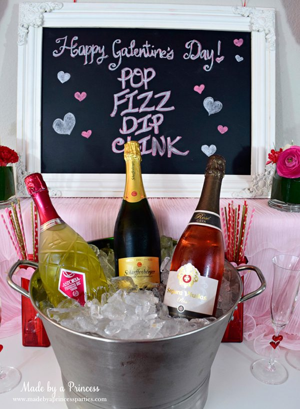 bubbly-champagne-recipe-cocktail-ideas-galentines-day-champagne-fondue-buffet