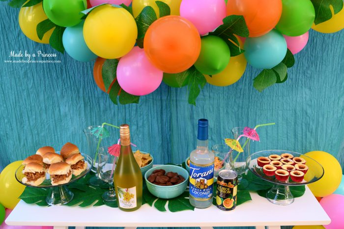 disney-moana-movie-inspired-party-tropical-drink-supplies-with-food