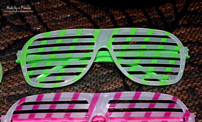 Teen Halloween Party Ideas glow in the dark glasses Made by a Princess #halloweenparty #teenhalloween