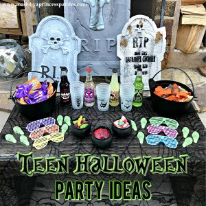 Teen Halloween Party Ideas that you can put together in less than 30 minutes @madebyaprincess #halloweenparty #teenhalloween