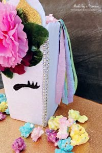 Unicorn Popcorn Box Tutorial add a little bling to the corners @madebyaprincess #popcornboxparty2017