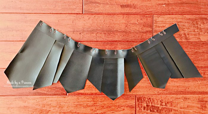 Wonder Woman Movie Costume place pieces on waistband with paper clips front side MadebyaPrincess #halloweencostume #wonderwoman #galgadot #wonderwomancostume