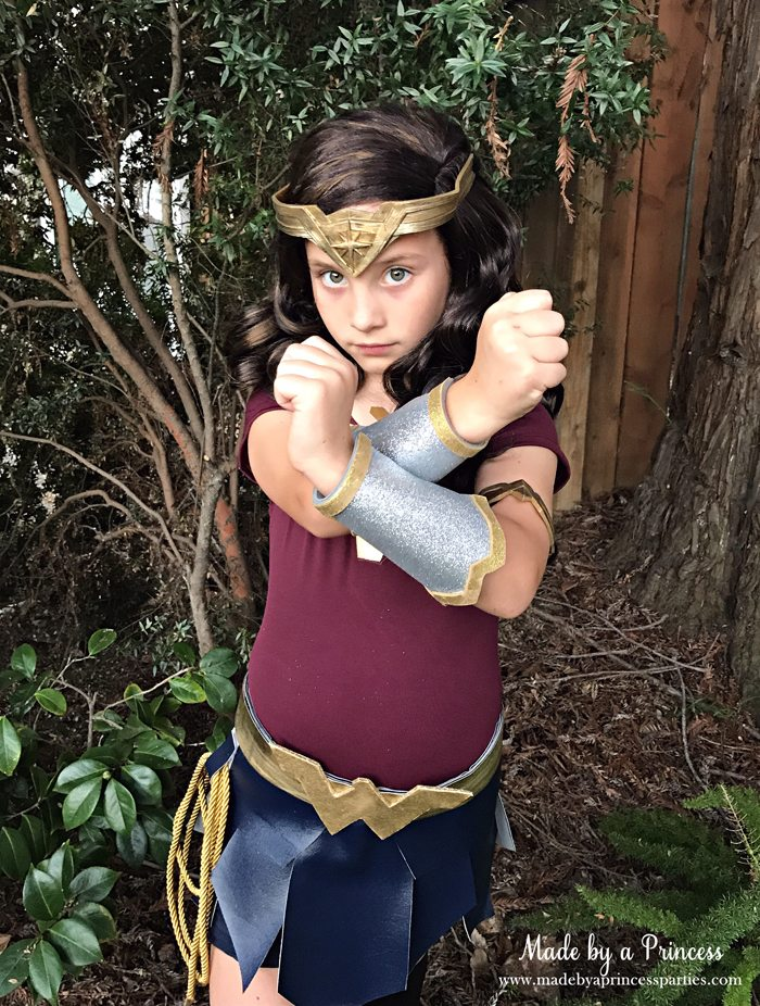 Wonder Woman Movie Costume posing like a warrior MadebyaPrincess #halloweencostume #wonderwoman #galgadot #wonderwomancostume
