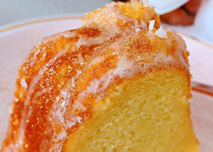 Champagne Poke Cake Champagne Glitter Glaze Recipe