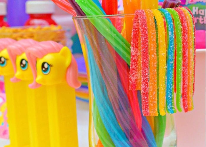 My Little Pony Party Food Ideas Free Printables from @madebyaprincess #mylittlepony #mylittleponyparty #mlp #partyfood #partyideas 2