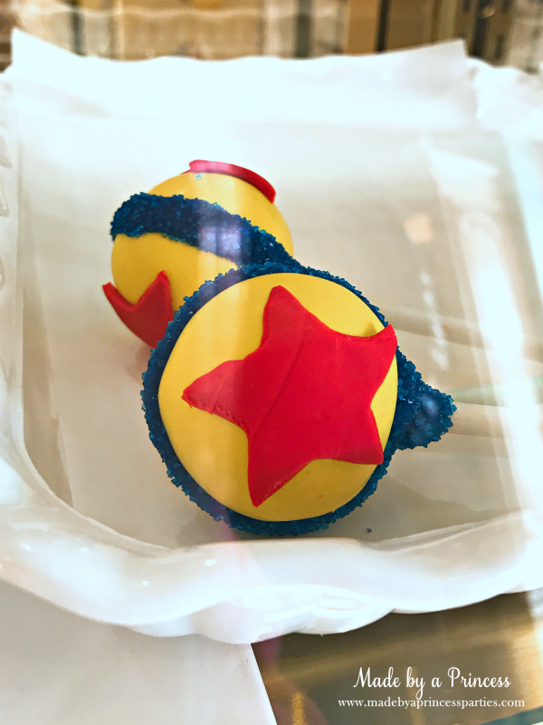 Disneylands Best Pixar Fest Food Checklist Pixar Ball Cake Pops #disneylandfood #disneyfood #toystory #pixarfest #madebyaprincess
