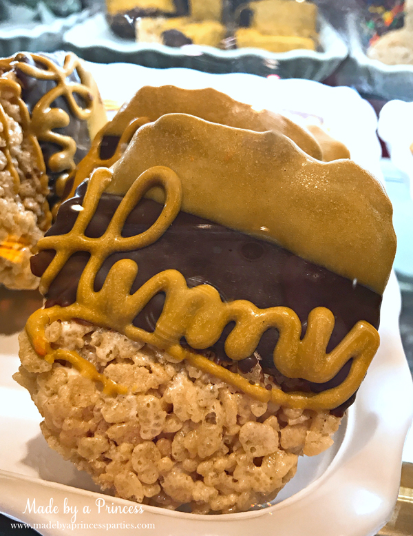 Disneylands Best Pixar Fest Food Checklist Winnie the Pooh Hunny Rice Krispie Treats #disneylandfood #disneyfood #winniethepooh #madebyaprincess