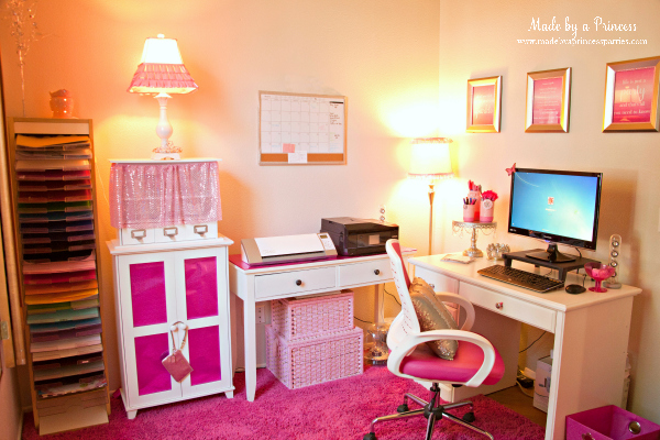 Pretty in Pink Home Office #pinkoffice #madebyaprincess