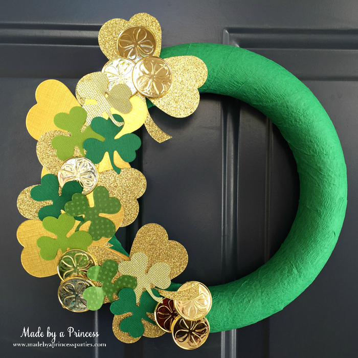 DIY Easy St Patricks Day Shamrock Wreath hang on front door to welcome guests
