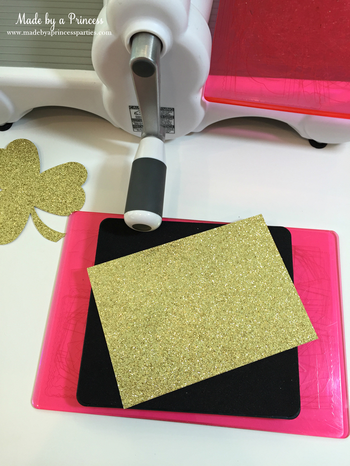 DIY Easy St Patricks Day Shamrock Wreath use Sizzix machine to cut our shamrocks
