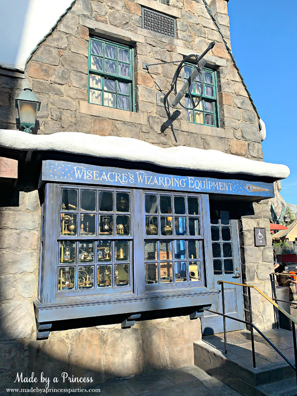 Universal Studios Hollywood Hogsmeade use your wand in the window of Wiseacres Wizarding Equipment