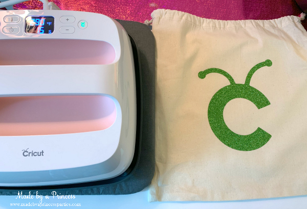 Exclusive Rose Bundle Cricut EasyPress 2 includes muslin drawsting bag for first project